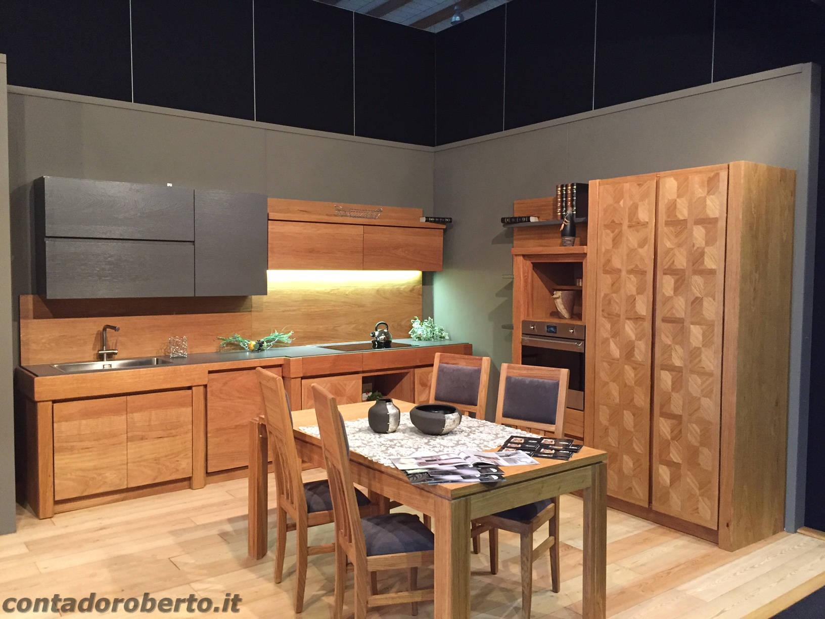 Cucine Moderne In Rovere.Cucina Moderna In Rovere Naturale Manerba Contado Roberto Group Cucine E Arredamenti Su Misura In Legno