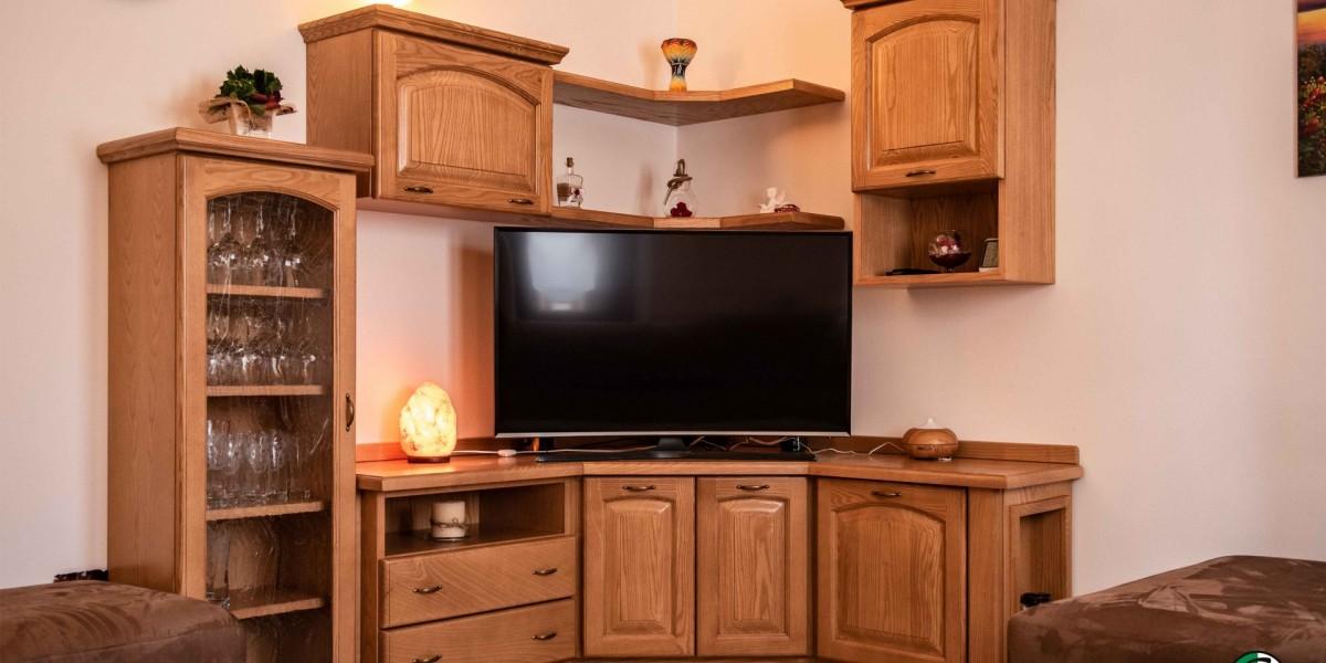 soggiorno-ad-angolo-in-legno-di-frassino-lucidato-contado-group.jpg
